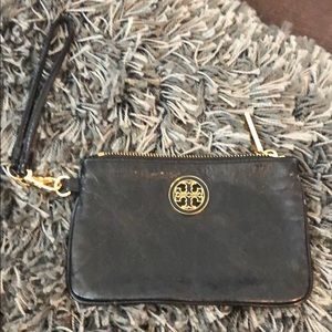 🌸❤️🌸. Tory Burch Clutch with wristlet strap